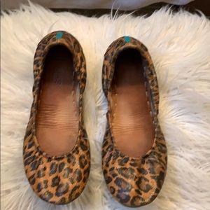 Leopard Tieks
